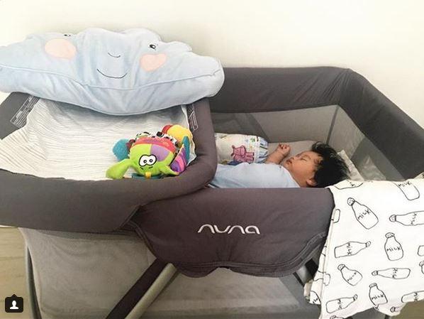 Tempat tidur bayi : baby cot atau baby crib?
