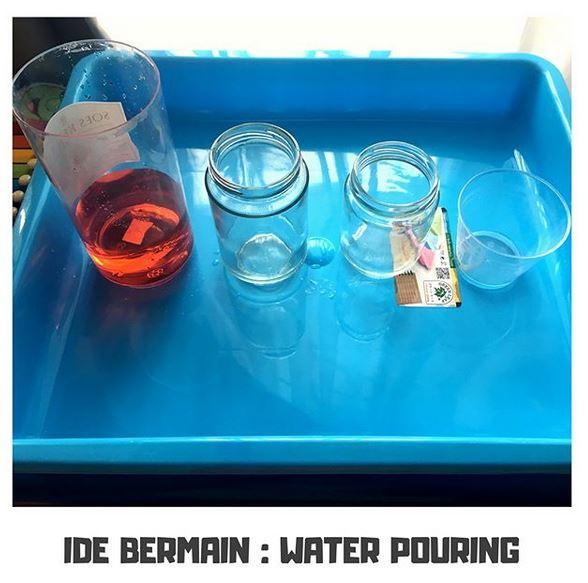 Ide Bermain Toddler : Water Pouring